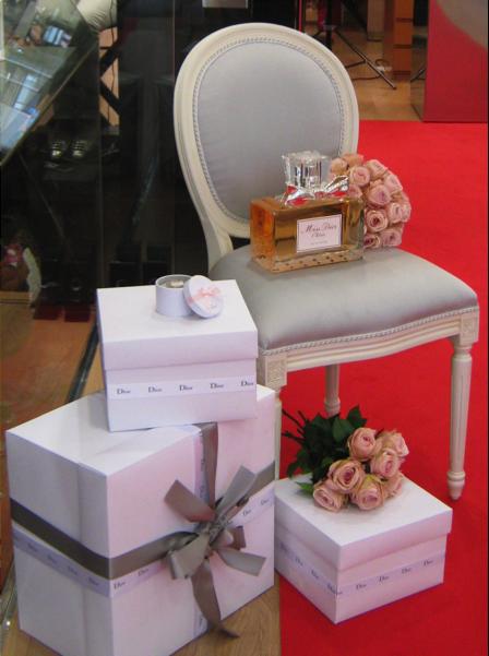 Renova l'interior de l'empresa floristeria morera